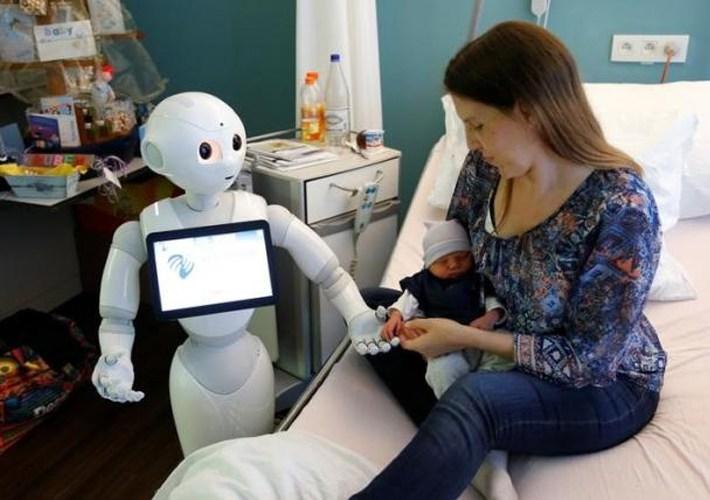 Innovación en la actividad empresarial con robots de servicio en México